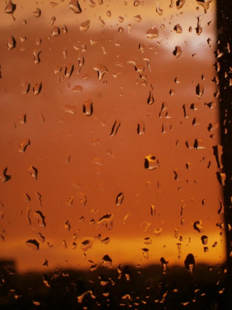 ploaie de apus in bucuresti