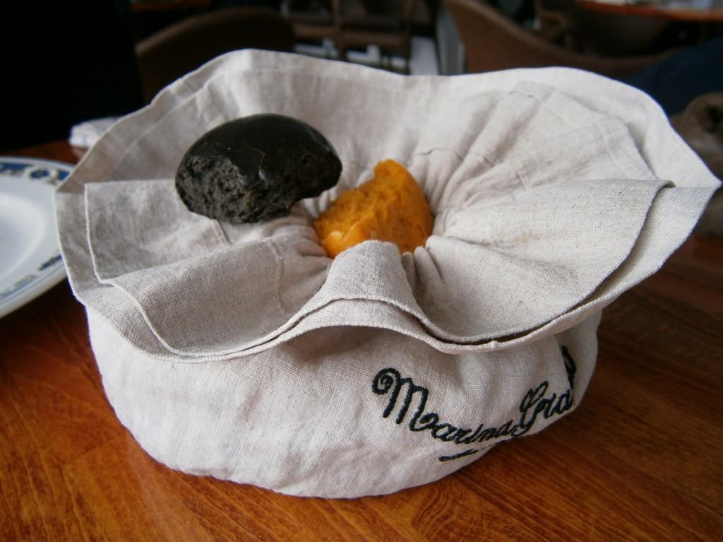 paine cu cerneala de sepie