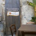 Bunătăţi siciliene: cannolo, granita, pizzolo