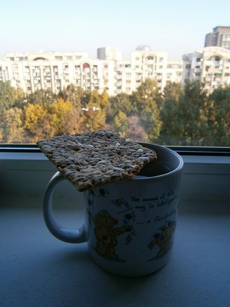 cana cu ceai si gustare