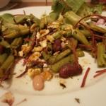 Un prânz delicios – salată de păstăi cu nuci