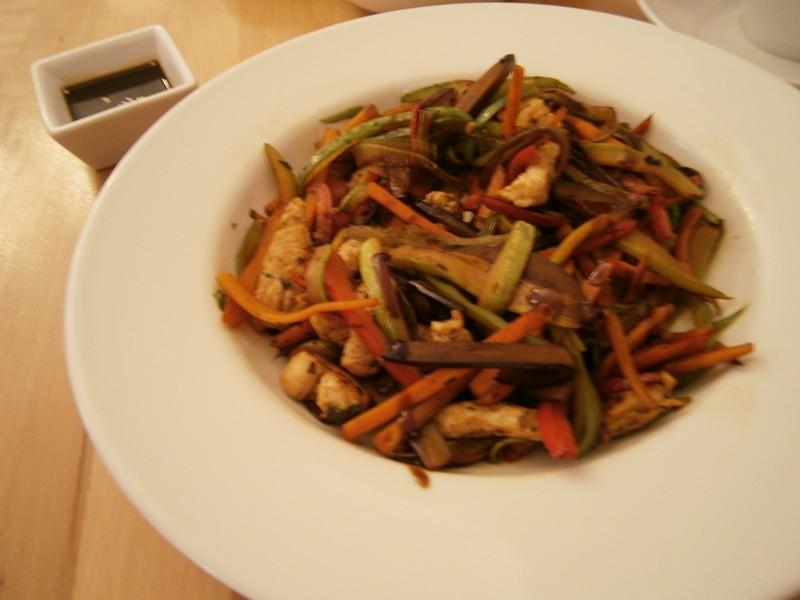 legume la wok şi curcan