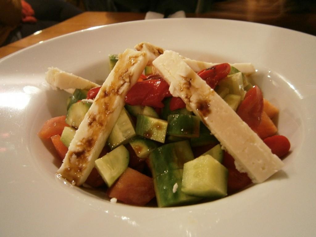 salata-de-legume-cu-branza