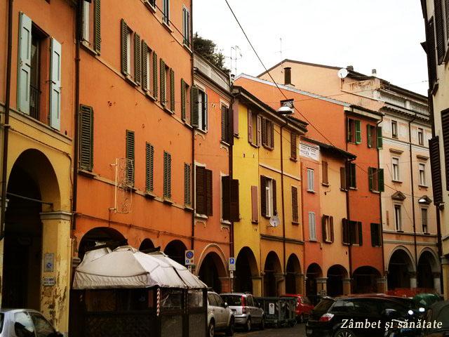 cladiri-colorate-bologna