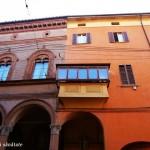 Bologna, oraşul plin de viaţă şi culoare