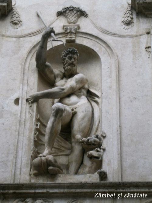 detaliu statuie la roma