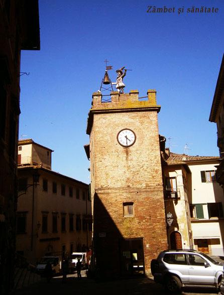 torre-dellorologio-montepulciano