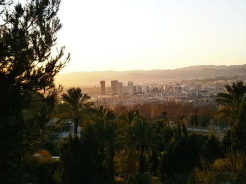 vedere--spre-barcelona-din-gradina-botanica
