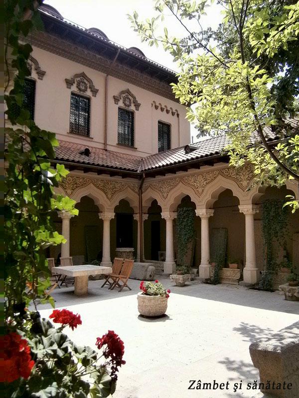 biserica-stavropoleos-curte