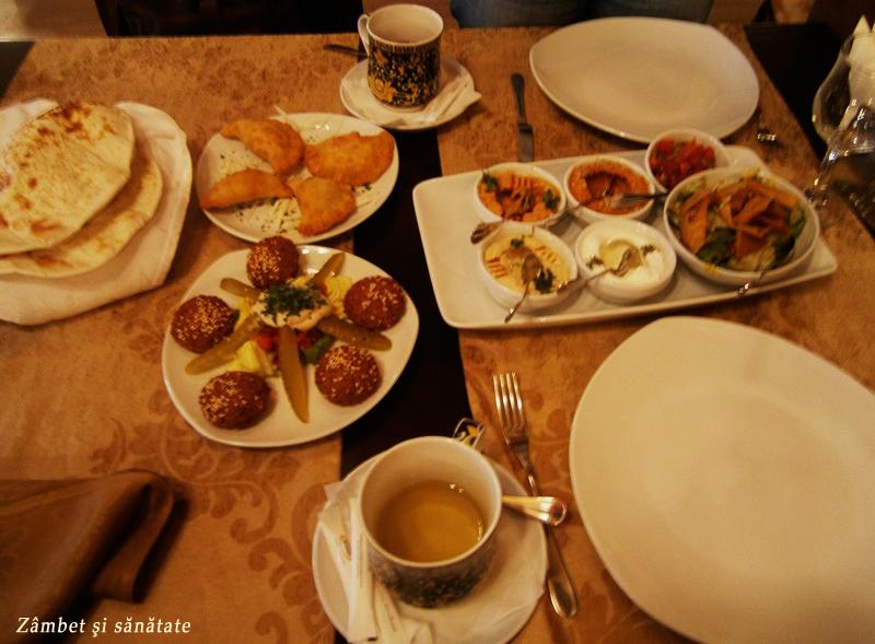 masa-la-restaurantul-1001-nopti