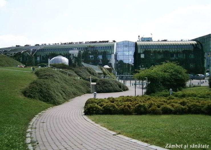 biblioteca-universitatii-din-varsovia-gradina-botanica