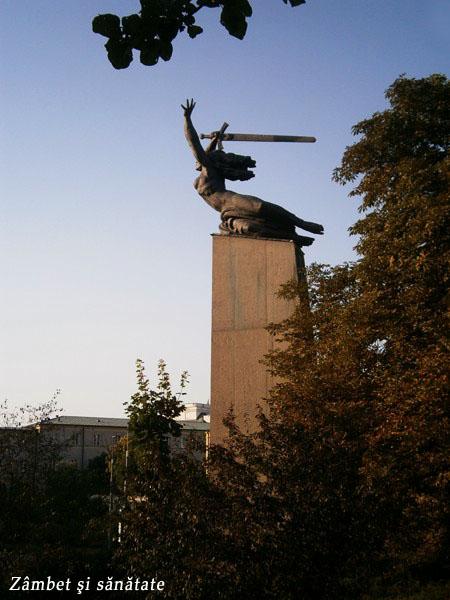 statuia-nike-varsovia