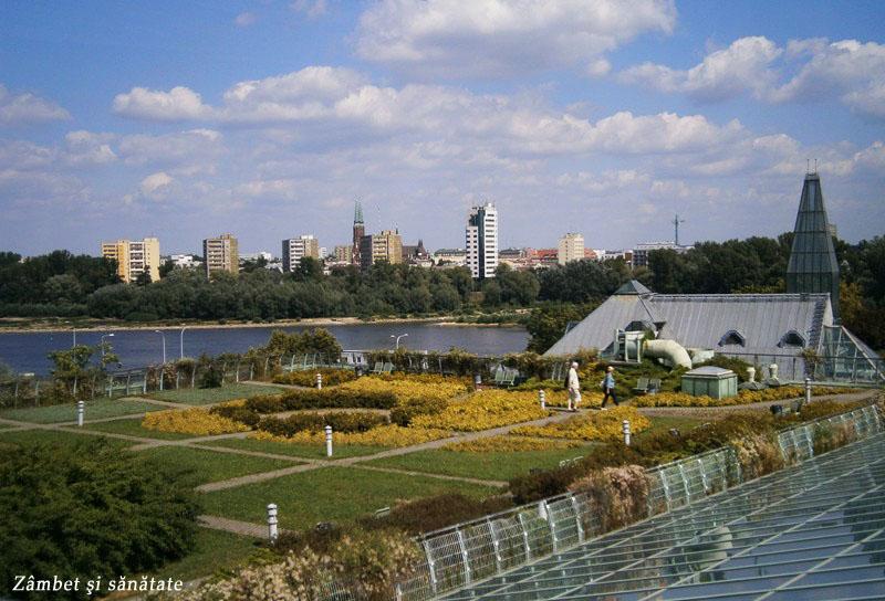 vedere-spre-varsovia-din-gradina-botanica-a-universitatii