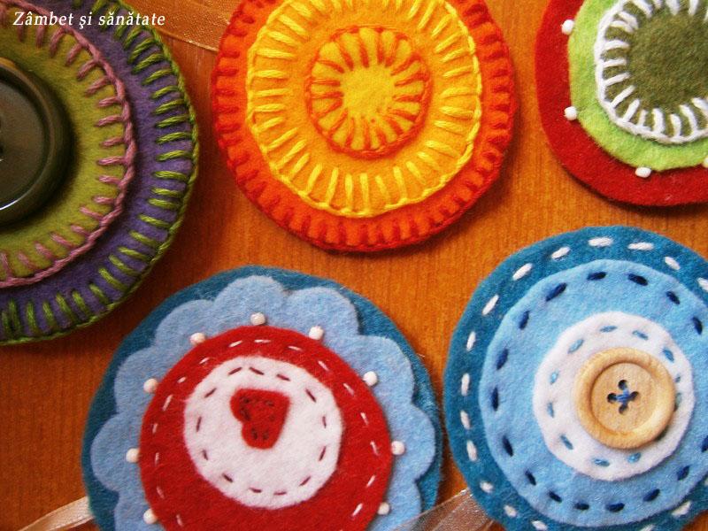accesorii-handmade-din-fetru-pentru-brad