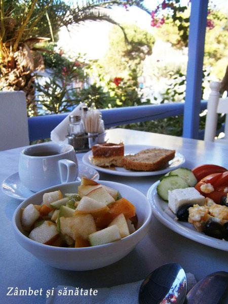 mic-dejun-la-hotel-acquavatos-santorini