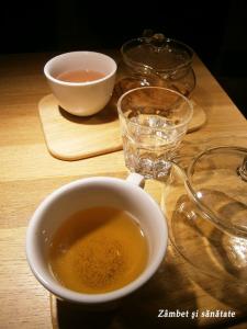 origo-ceai-alb-cu-spirulina