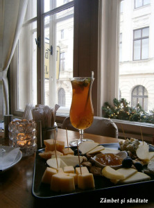 cafe-van-gogh