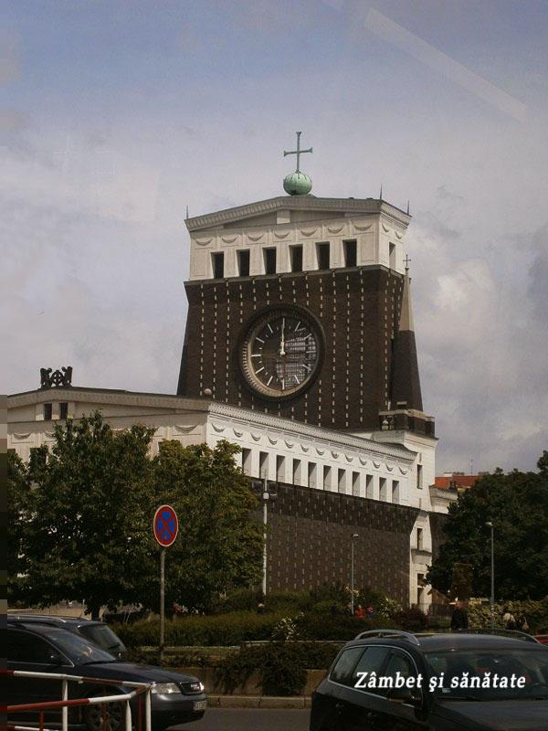 biserica-ciudata-praga