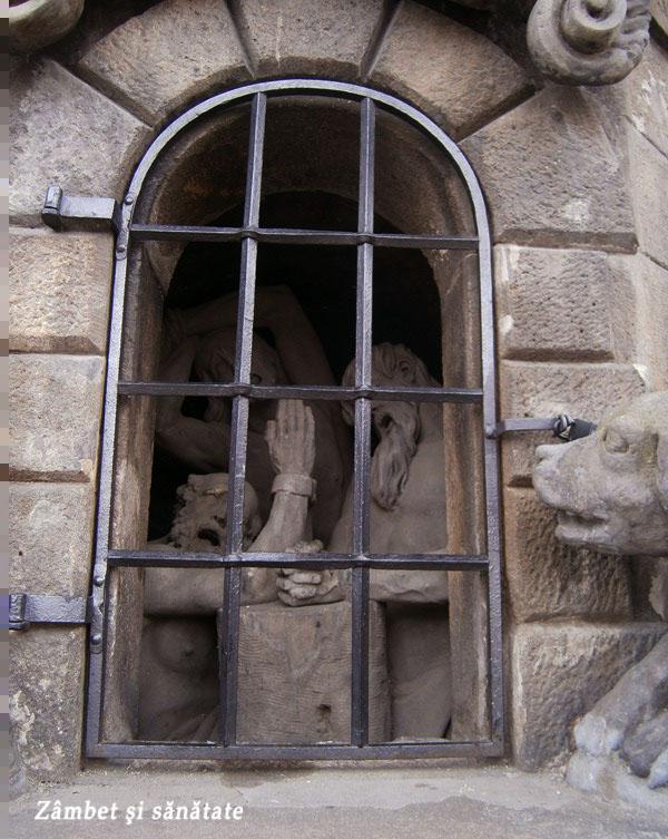 detaliu-statuie-pe-podul-carol-din-praga