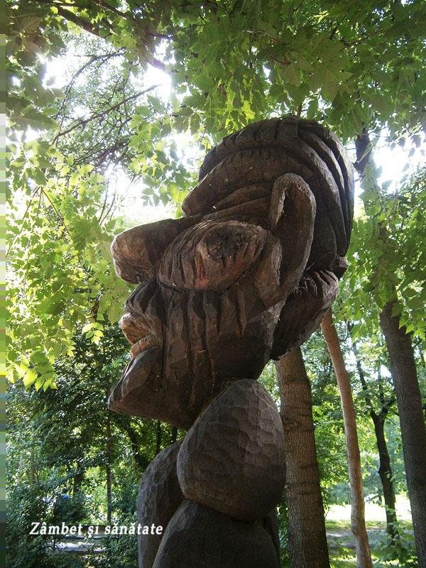 parcul-circului-Bucuresti-statuie-detaliu