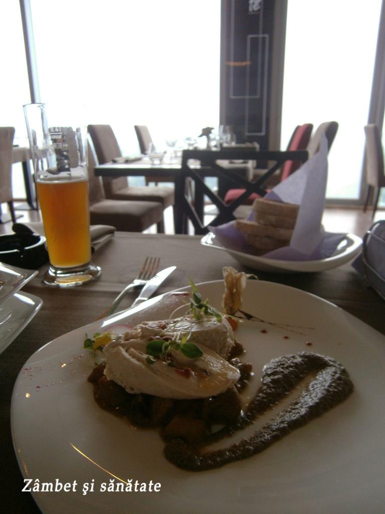 pui-cu-brie-18-lounge-restaurant