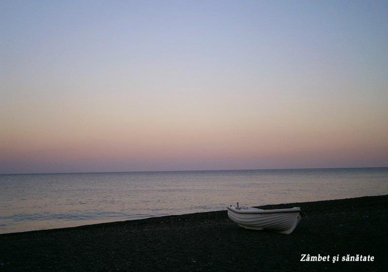 apus-de-soare-pe-plaja