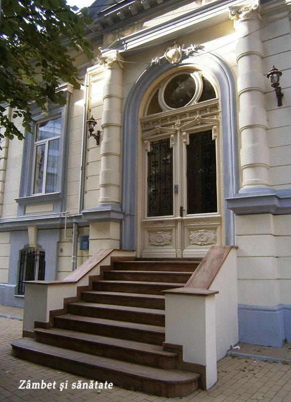 casa-langa-biserica-armeneasca