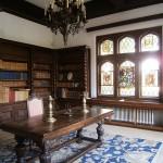 Muzeul Minovici - bibliotecă