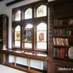 Muzeul Minovici - vitralii în bibliotecă