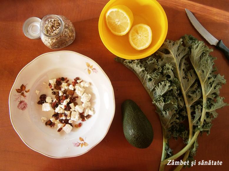 salata-cu-kale-branza-de-capra-mix-de-fructe-uscate-si-seminte