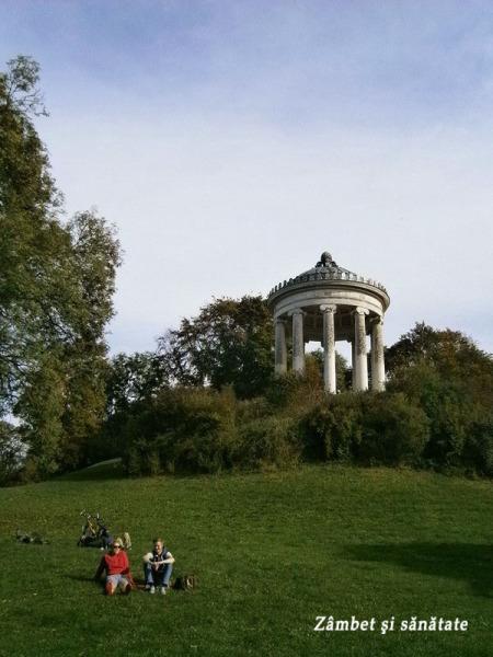 gradina-englezeasca-munchen-templul-grecesc
