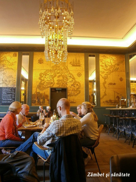 munchen-golden-bar-design
