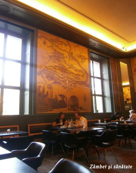 munchen-golden-bar-interior