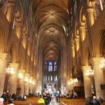 interior-catedrala-notre-dame