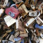 paris-iubire-pod-ce-lacate