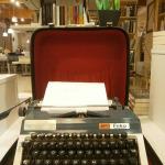 seneca-anticafe-masina-de-scris