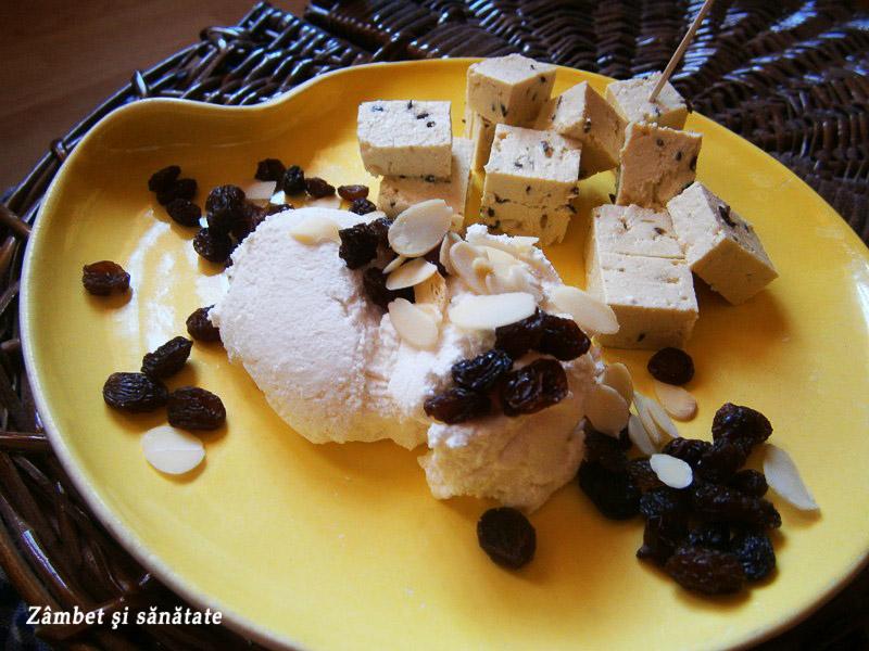 tofu-fulgi-de-migdale-stafide-urda