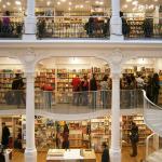 Cărtureşti Carusel, un spaţiu de poveste în Bucureşti