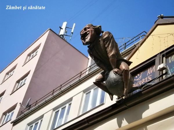 bratislava-statuie-cladire