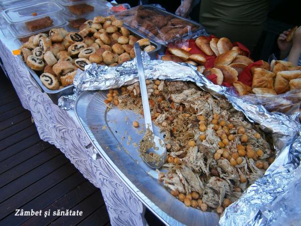 bazar-arome-din-lumea-araba-mancare-de-orez-cu-carne-de-pui-si-naut