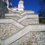 bratislava-scari-castel