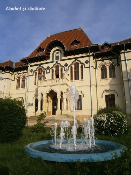Casa-de-Cultură-Tudor-Muşatescu-Campulung