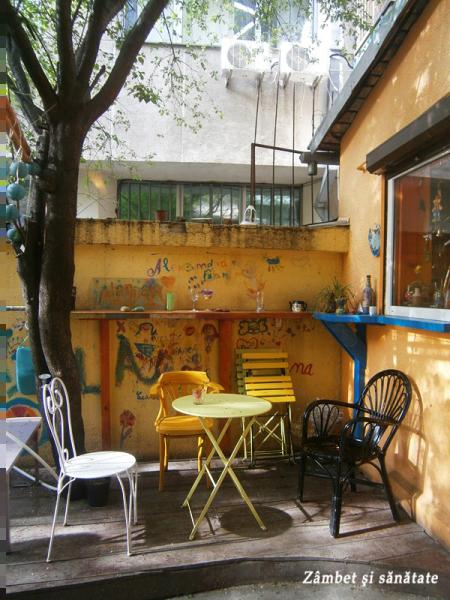 terasa cafenea alandala bucuresti
