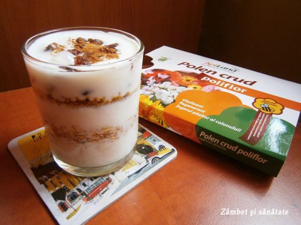 iaurt-cu-polen-crud-apiland