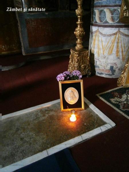 mormantul-lui-vlad-tepes-manastirea-snagov