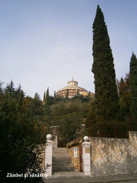 Santuario-Nostra-Signora-di-Lourdes-verona