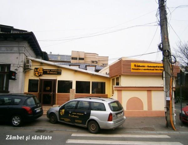 restaurant-pe-intuneric-bucuresti
