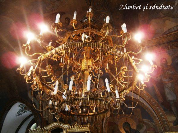 candelabru-biserica-ruzica