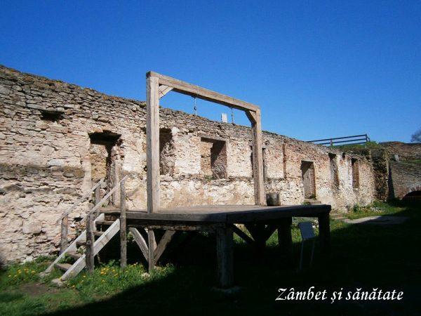 cetatea-fagaras-spanzuratoare