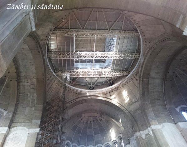 interior biserica sf sava belgrad